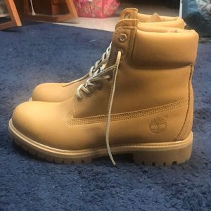 Men's timberlands size 10